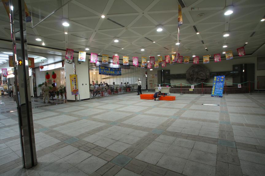 MRT龍山寺駅の地下商店街